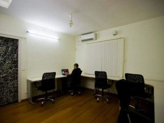 Ready to use office space for the team of 4 to 6seater for rent @Canaans